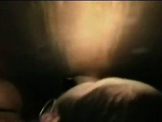 एक महिमा छेद बूथ सह का भार ले जाने में पत्नी