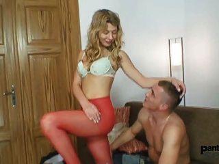Vanesa नाइलन प्रेमी द्वारा Pantyhose के माध्यम से गड़बड़ हो जाता है