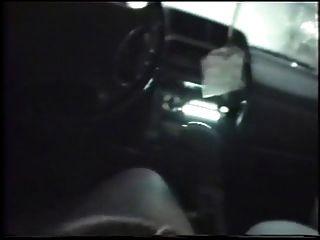 बिग छाती सनकी मुझे मेरी कार में अच्छा चूसा।
