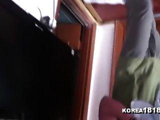 Korea1818.com - भव्य कोरियाई महिला प्रशंसक मालिश देता है