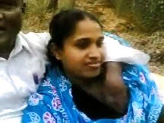 बांग्लादेशी पत्नी को धोखा दे पार्क