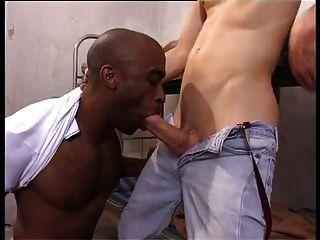 प्यारा त्रिशंकु Skinhead कैदी काला सेल दोस्त Fucks