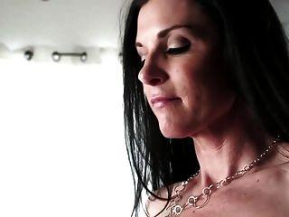 बीबीसी द्वारा सेक्सी गर्म महिला