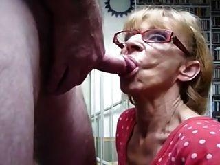 दादी सह के लिए भूख लगी है