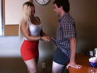 सेक्सी और गोरा द्वारा Handjob