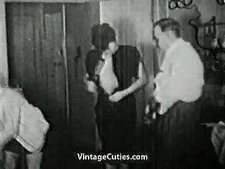 सींग का बना महिलाओं शरारती बातें कर रही है (1920 के दशक पुराने)