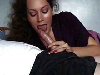 सेक्सी परिपक्व एमआईएलए का नाम क्या है?
