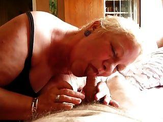 पुराने पत्नी गन्दा Blowjob करता है