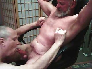 पिताजी Blowjob