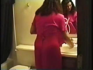 Deborahs माँ अपने एनीमा देता है