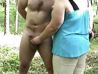 Outdoorhandjob