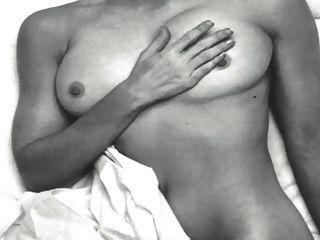 नग्न में नग्न नग्न!