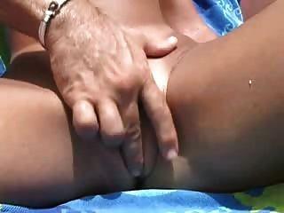 Cougars सेक्स होटल में जनता में डिक चूसना