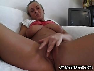 बड़े स्तन के साथ शौकिया किशोर प्रेमिका बेकार है और Fucks