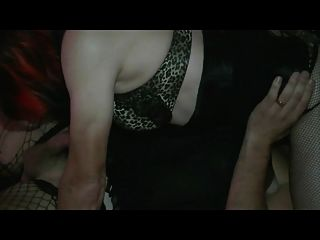 मोटल बकवास फूहड़ 4, बार्बी 69 के साथ गरम करना