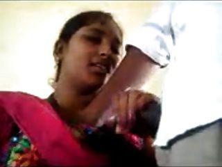 भारतीय कक्षा के हाथों में