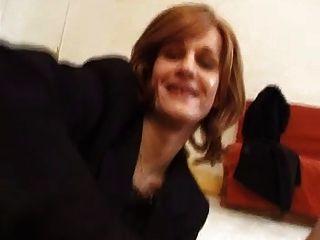 कमबख्त एक फ्रांसीसी Transsexual संचालित
