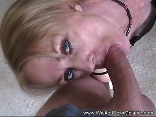दुष्ट सेक्सी Melanie सिर्फ मुर्गा प्यार करता है