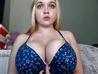 विशाल स्तन भावनाएं लड़की 2