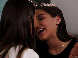 अगस्त एमेज और एबाला खतरा समलैंगिक नहीं कदम बहनों