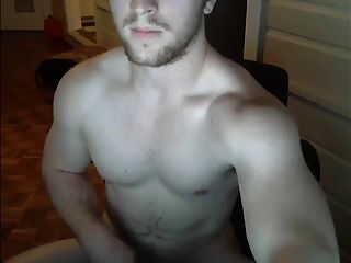 प्यारा Muscled संवर्धन झटके बंद और कैम पर मेरे लिए Cums