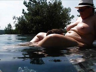 प्यार का स्विमिंग पूल