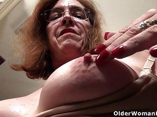 अमेरिकी गिलफ माधुर्य गार्नर हमें अपने मुहूर्त योनी के साथ Teases