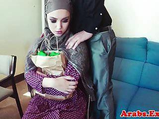अरब शौकिया मुँह में सह से पहले चढ़ाया