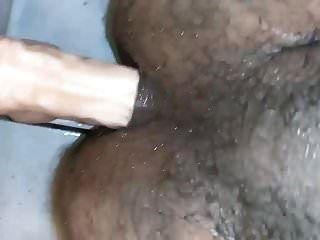 लैटिन चब शॉवर डिल्डो
