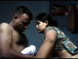 देसी तमिल पत्नी अपने पति को कमबख्त