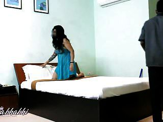 मोना भारतीय भाभी चिढ़ा युवा कमरे सेवा लड़का नग्न