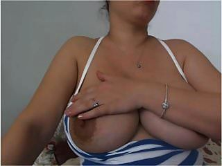 Sy बड़े स्तन से पहले