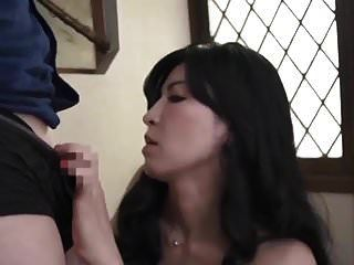 मेरी सौतेली माँ मेरी सेक्स गुलाम है