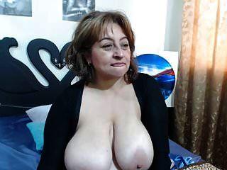 प्यारी मोटी माँ