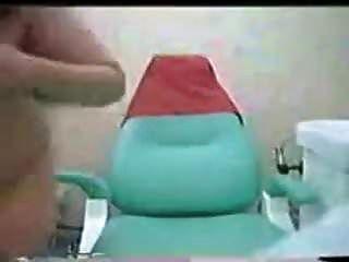 कराची दंत चिकित्सक रोगी