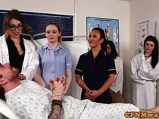 प्रमुख नर्सों नग्न रोगियों डिक चूसने