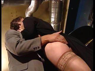 पुराने परिपक्व Saggy स्तन योगिनी Assfucked मोज़ा