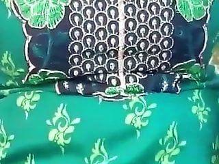 तमिल युवा विवाहित लड़की स्तन तमिल ऑडियो के साथ