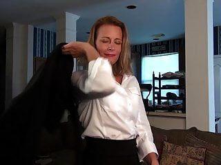 अमेरिकन मॉम आपसे एक अच्छी चुदाई चाहती है