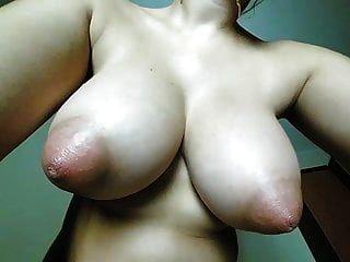 बड़े सेक्सी स्तन